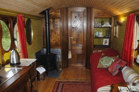 Scottish Borders wedding accommodation - Roulotte Retreat - Gitana Romany caravan