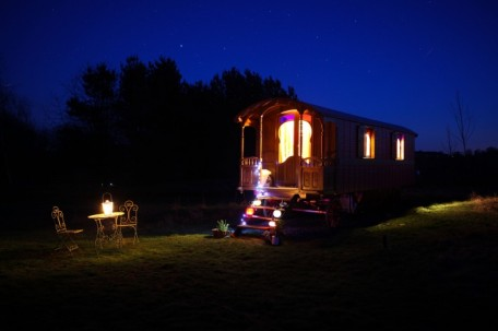 Scottish Borders wedding accommodation - Roulotte Retreat - Romany caravan by night