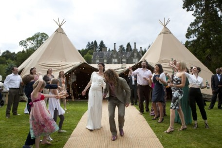 Tipi wedding, Hoscote House