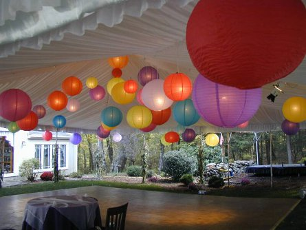Color_Lanterns_Wedding_op_800x600