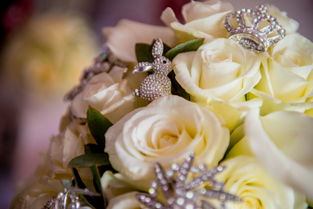Get-Knotted.net Bouquet with jewelled details (credit www.mcbethphotography.com)