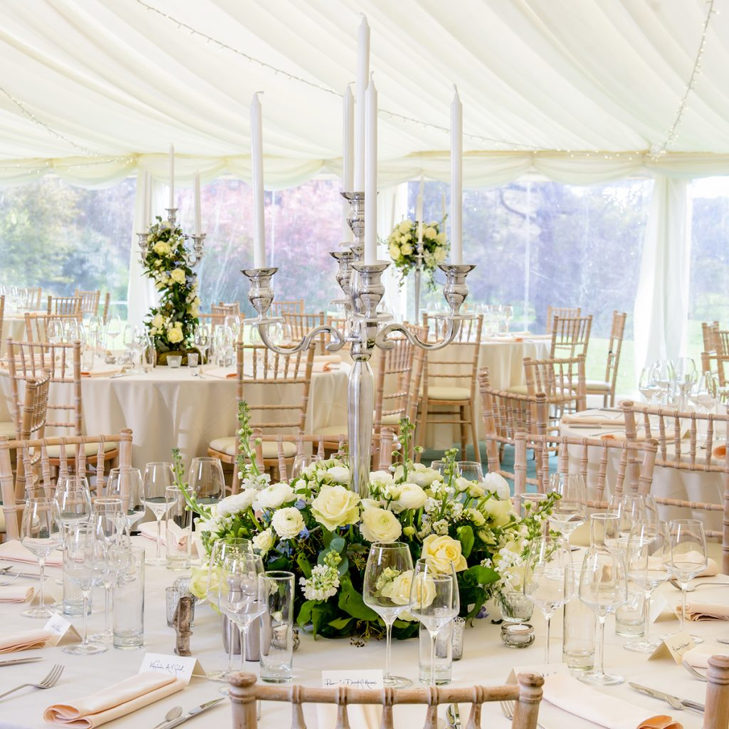 Get Knotted Flowers Table Centrepieces Photography By Mcbeth